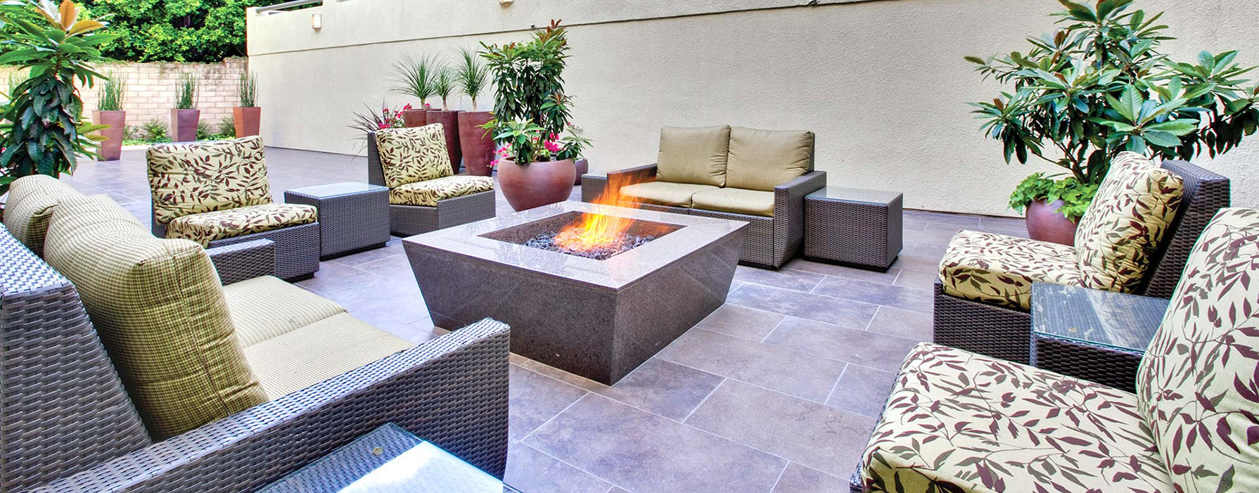 HillCreste - Los Angeles, CA - Outdoor Firepit