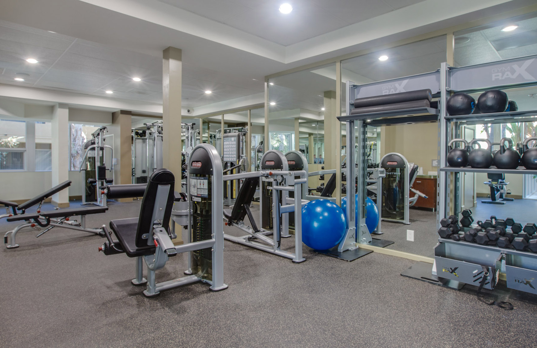 Hillcreste Apartments - Los Angeles, CA - Fitness Center